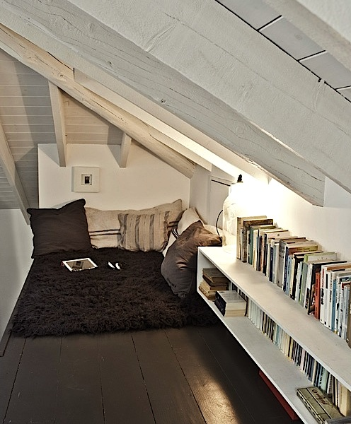 39 Attic Living Rooms That Really Are The Best: Top 10 Reading Spaces To Curl Up With A Book