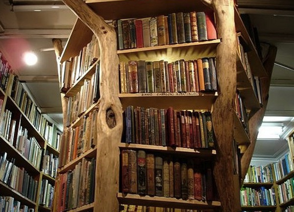 10 fantastic book shelf ideas lucy v hay for Corner tree bookcase